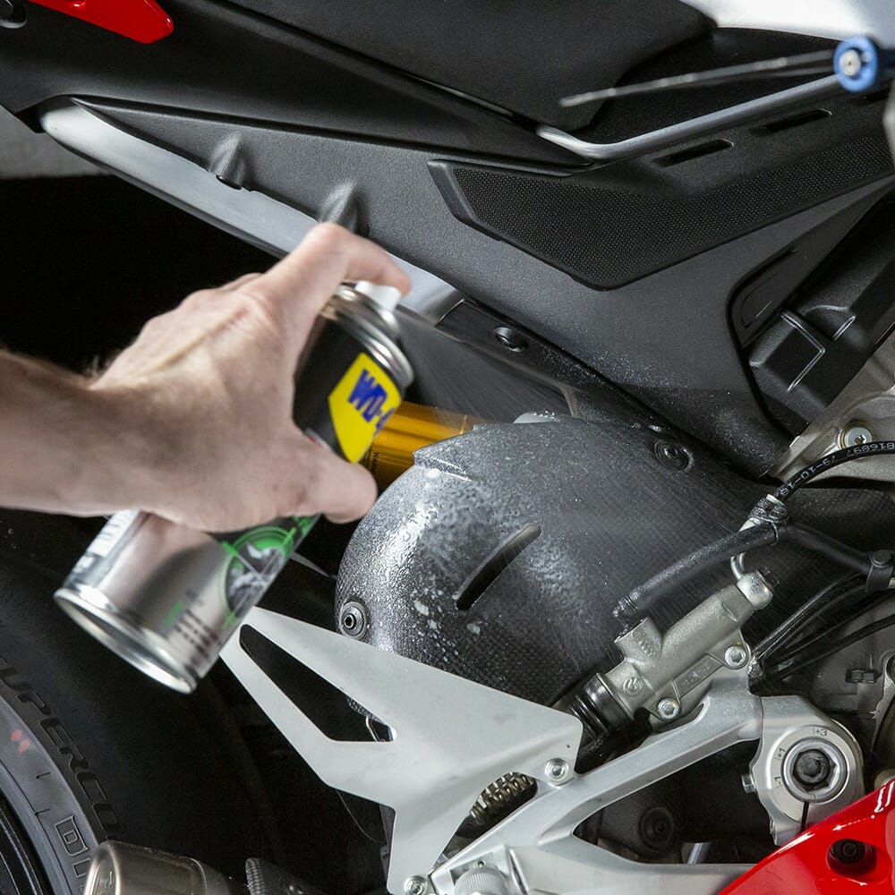 uk wd40 motorbike wax and polish 250ml usage 2