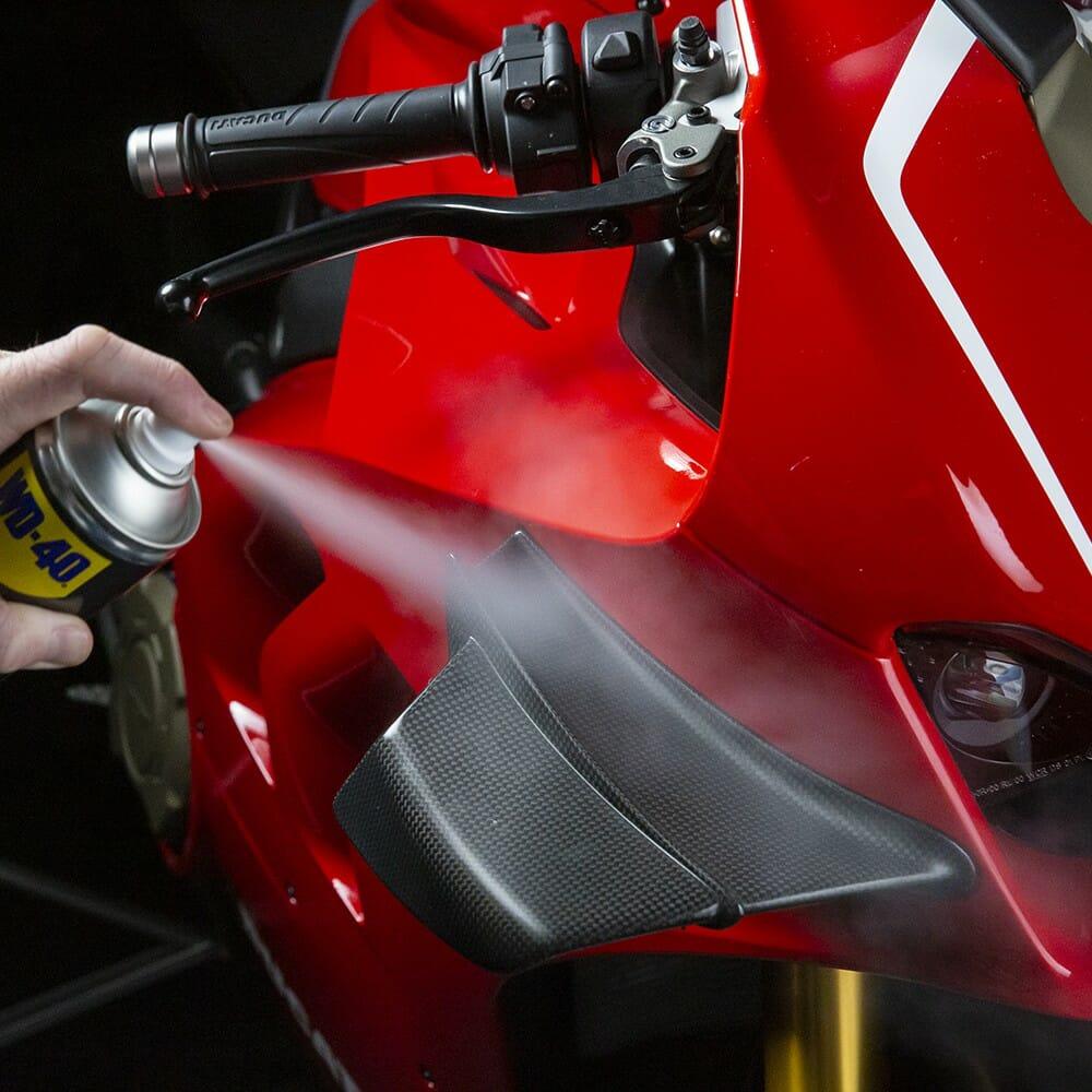 uk wd40 motorbike silicone shine 400ml usage 4