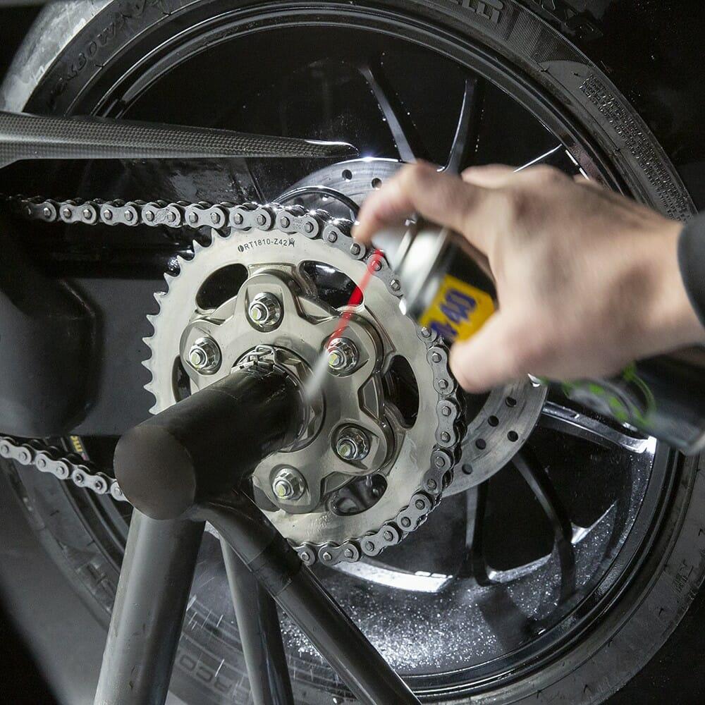 uk wd40 motorbike chain cleaner 400ml usage 2