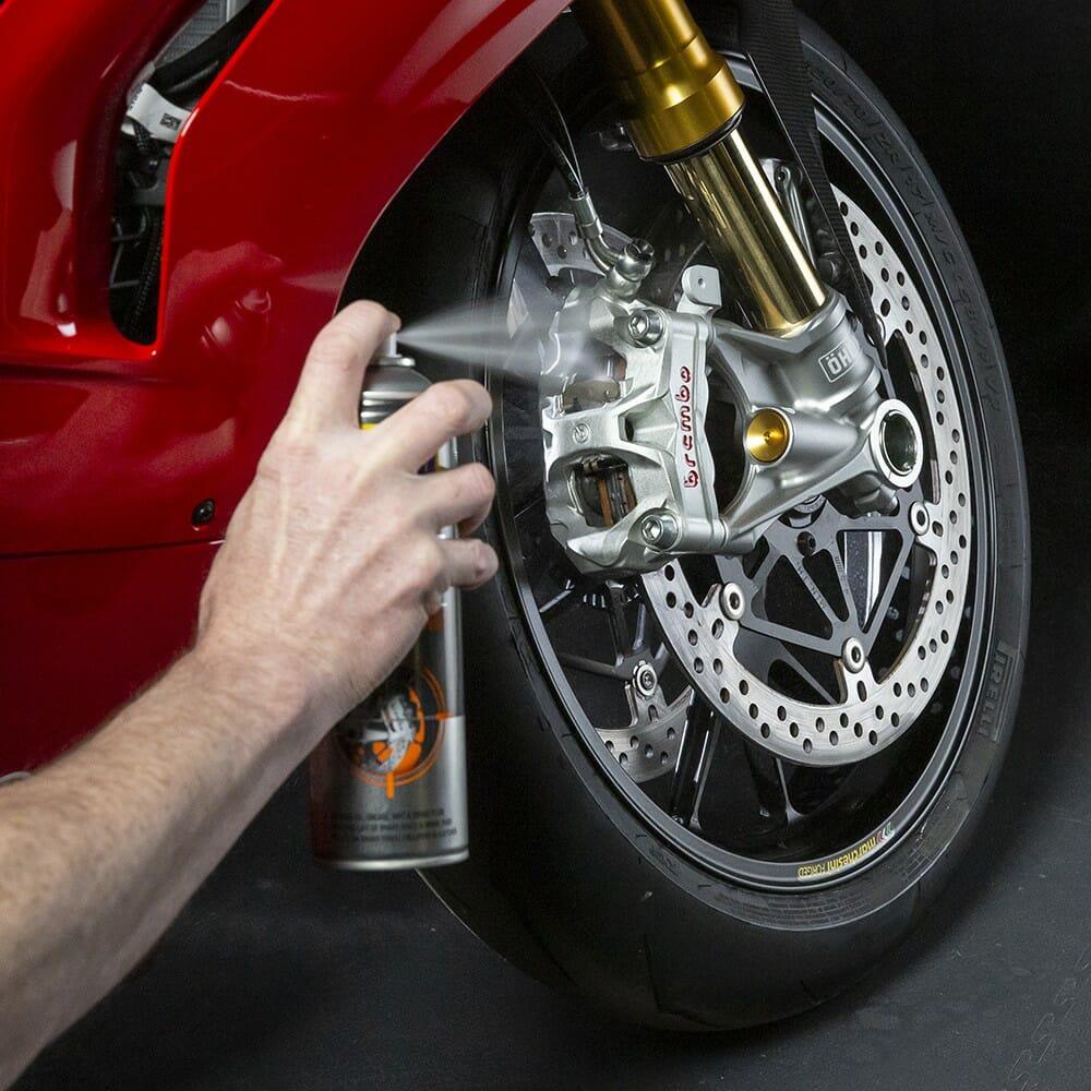uk wd40 motorbike brake cleaner 500ml usage 3