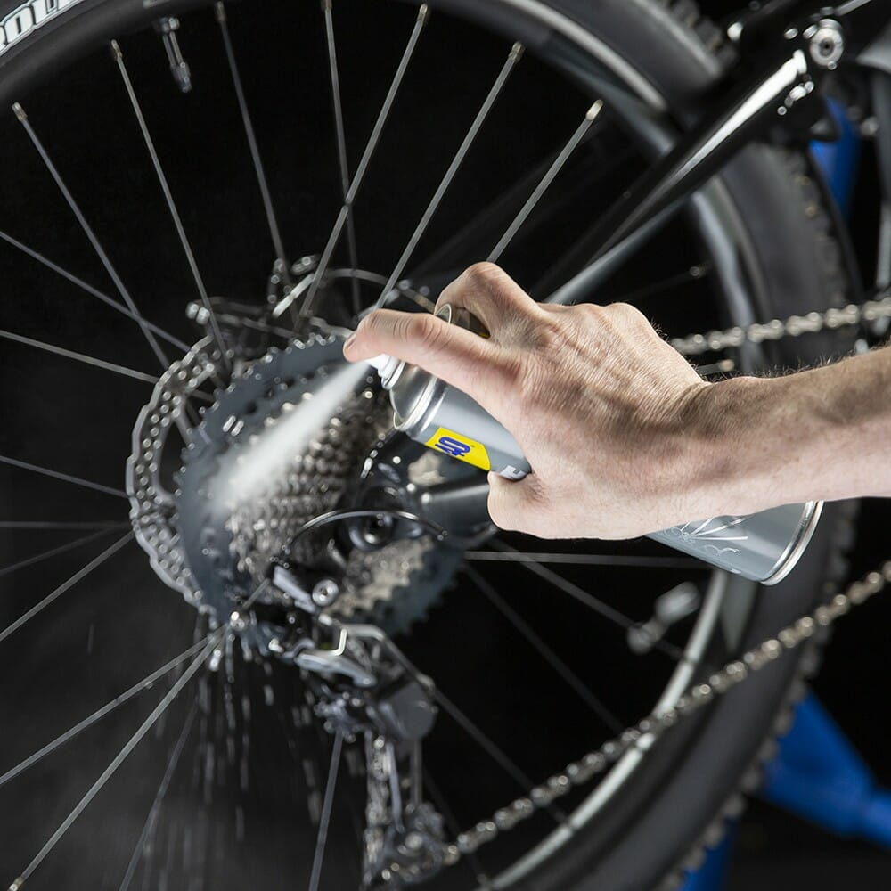 uk wd40 bike degreaser 250ml usage 1