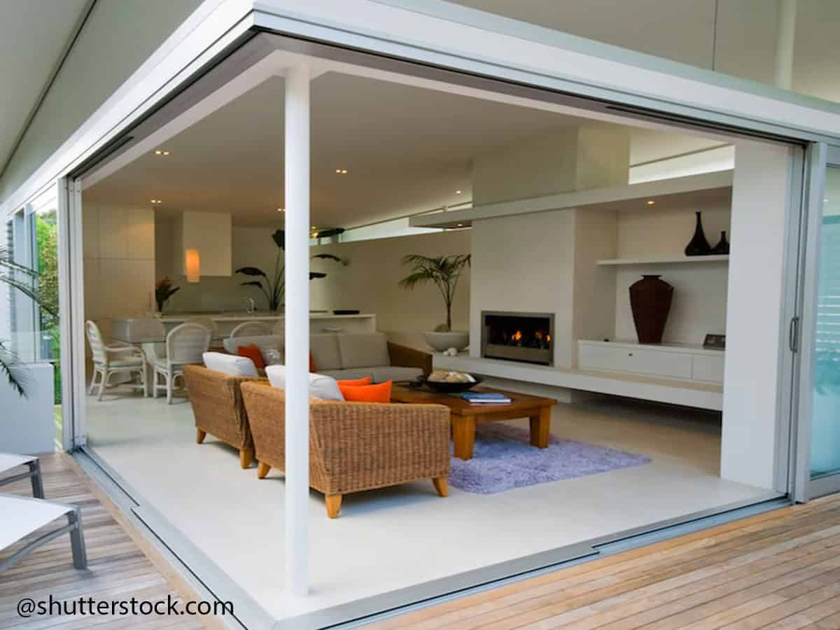 how to lubricate sliding doors effectively 3@shutterstock.com